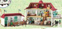 Großer Pferdehof mit Wohnhaus und Stall 42416 von Schleich