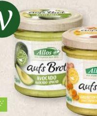 Bio-Brotaufstrich aufs Brot von Allos